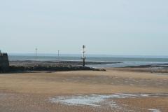 Grandcamp Maisy - la plage et l'entrée du port
